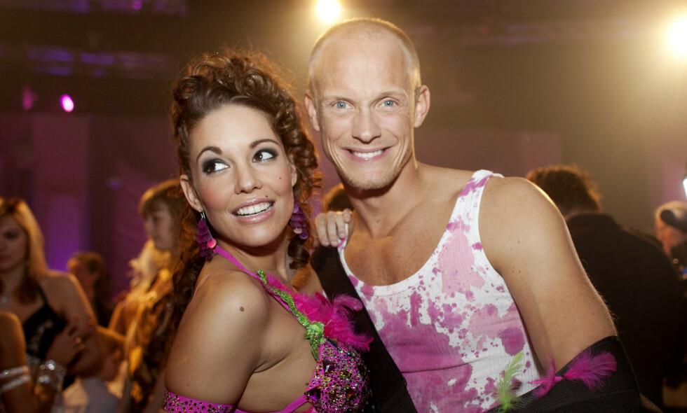 ÅPEN: I fjor avslørte den svenske proffdanseren Tobias Karlsson at han har hiv. Nå forteller han om tida etter avsløringen. Her avbildet med Triana Iglesias i 2009 under deltakelsen i «Skal vi danse». Foto: NTB Scanpix