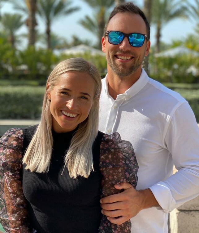 KONGELIGE KLIENTER: Inger og Ian pakket sakene og flyttet til Dubai. Der ventet et liv de fleste ikke har sett maken til. Foto: Privat