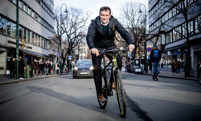 VIL HA FOLK OVER PÅ SYKKEL: Byråd Arild Hermstad lanserer flere støtteordninger som skal få flere over på sykkel i hovedstaden. Foto: Lars Eivind Bones / Dagbladet