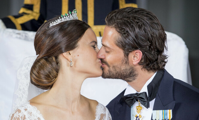 LYKKELIG GIFT: Prinsesse Sofia og prins Carl Philips romantiske bryllup var en rørende affære. Foto: NTB scanpix