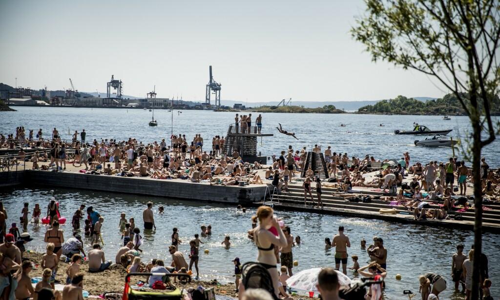 KNALLVÆR: Flere steder i landet kan forvente temperaturer opp mot 30 grader til uka. Her fra Sørenga i Oslo. Foto: Christian Roth Christensen / Dagbladet