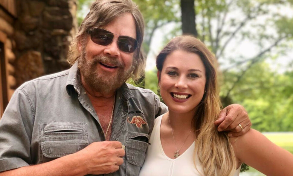 DØD: Dattera til den amerikanske countryartisten Hank Williams jr., Katherine Williams-Dunning, døde i en bilulykke i helga. Hun ble bare 27 år. Foto: Instagram / Privat