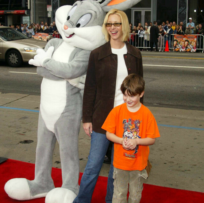 INGEN FAN: Julian Murray Stern er ingen fan av morens skuespillerprestasjoner i serien «Friends». Her er mor og sønn avbildet sammen i 2003. Foto: NTB Scanpix