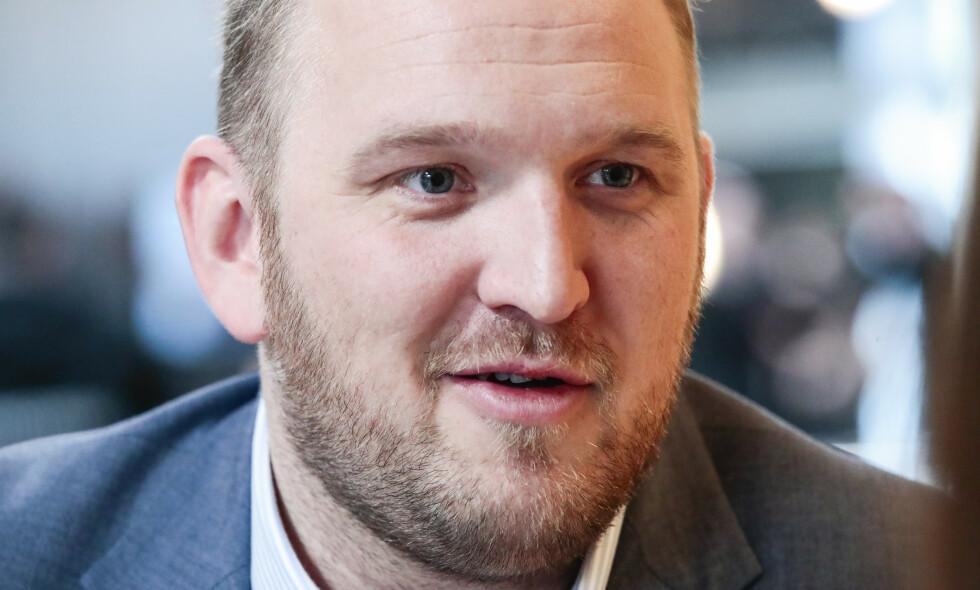 UENIG: Energi- og miljøpolitisk talsperson i Frp, Jon Georg Dale, svarer SVs Kari Elisabeth Kaski. Foto: Lise Åserud / NTB scanpix