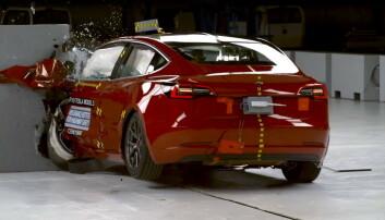 Tesla Model 3 i kollisjonstest