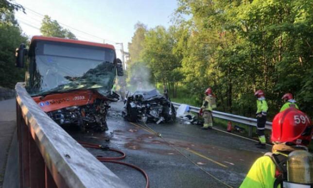 ULYKKE: Tre personer var involvert i en ulykke i Bergen tirsdag morgen. Foto: Fanaposten.