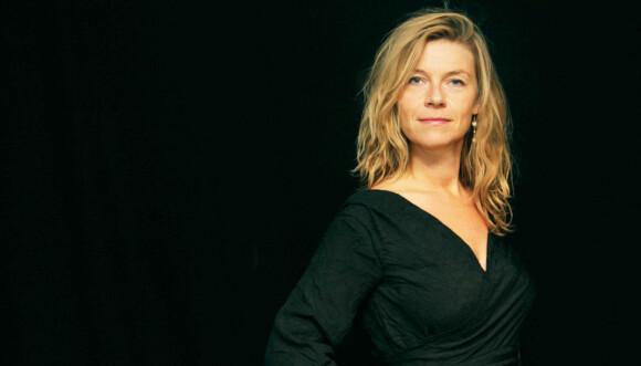 EKSPERT: Sexolog Sara Skaarup lever selv i åpne forhold , og gir her sine råd. FOTO: Privat