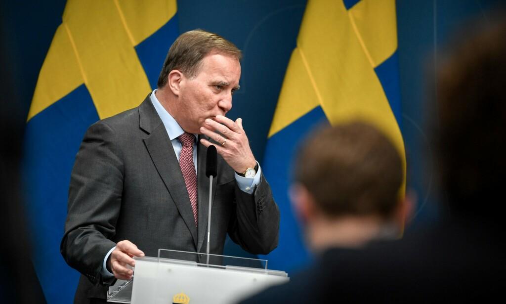 BRUTALT: Så langt har den svenske regjeringen, med statsminister Stefan Löfven i spissen, satset 230 milliarder svenske kroner på krisehjelp. En rimelig sum, mener Konjukturinstituttet som likevel varsler en brutal smell for Sveriges økonomi i år. Foto: Foto: Pontus Lundahl / TT / NTB Scanpix