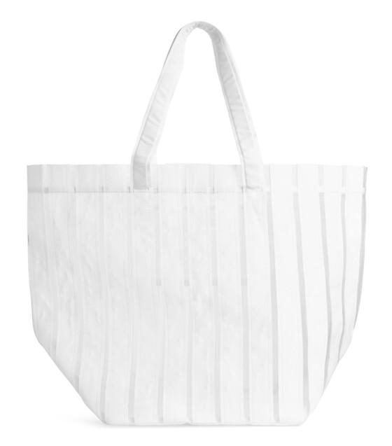 Bag (kr 400, Arket).