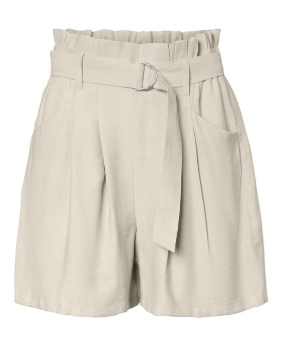 Shorts (kr 300, Vero Moda).