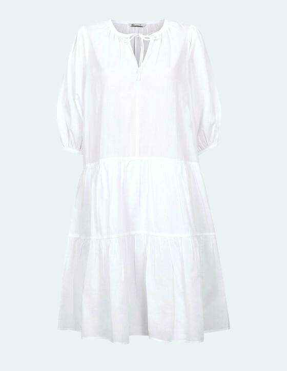 Hvit kjole med puffermer og v-hals (kr 399, Cubus)