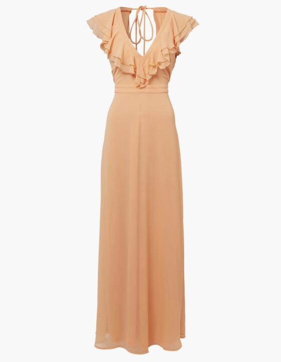 Lang kjole (kr 900, nelly.com).