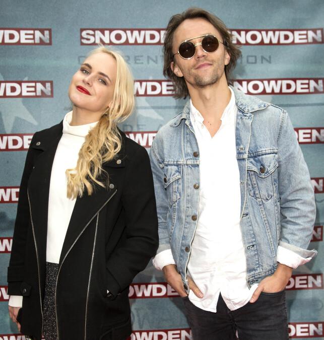 Oslo 29.09.2017 Premiere på filmen Snowden på Coloseum Kino - Sondre Lerche og Linnea Myhre