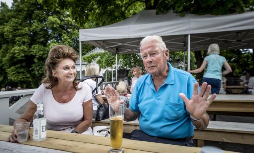 KRITISK: Carl I. Hagen er kritisk til mye av regjeringens coronahåndtering, mens kona Eli er mer positiv - selv om nedstengingen kostet. Foto: Hans Arne Vedlog /Dagbladet