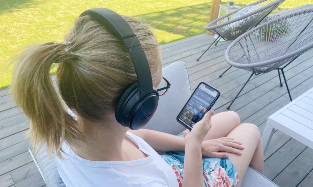 LYDBØKER PÅ NORSK: Vi har prøvd tre tjenester som lar deg lytte på lydbøker på norsk. Se hvilken app vi likte best. Foto: Sondre Chávez-Njarga