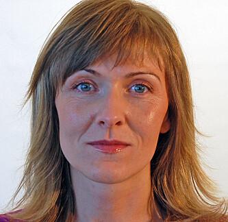 <strong>FLÅTT-EKSPERT:</strong> Vivian Kjelland, førsteamanuensis ved Universitetet i Agder, og medforfatter av boken «Fakta om flått». Foto: UIA.