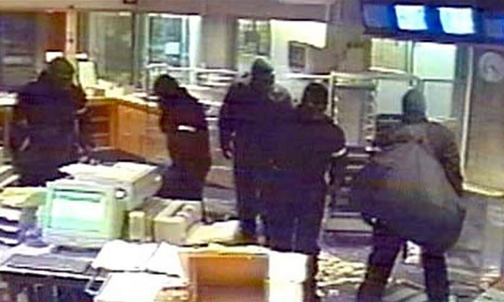 HENSYNSLØSE: NOKAS-ranerne var særs brutale da de stjal nesten 60 millioner kroner i 2004. En politimann ble drept. Foto: Politet