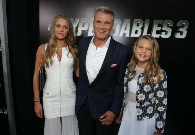 2014: Her er Dolph Lundgren avbildet sammen med døtrene sine Ida og Greta under en filmpremiere i Los Angeles for seks år siden. Foto: NTB Scanpix