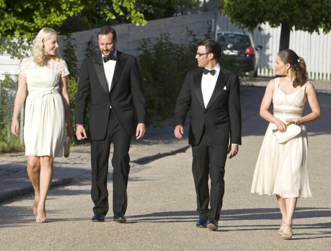 TRONARVINGER: Kronprinsesse Mette-Marit, kronprins Haakon, prins Daniel og kronprinsesse Victoria sammen i 2008 i forbindelse med kronprins Frederik av Danmarks 40-årsdag. Foto: NTB Scanpix