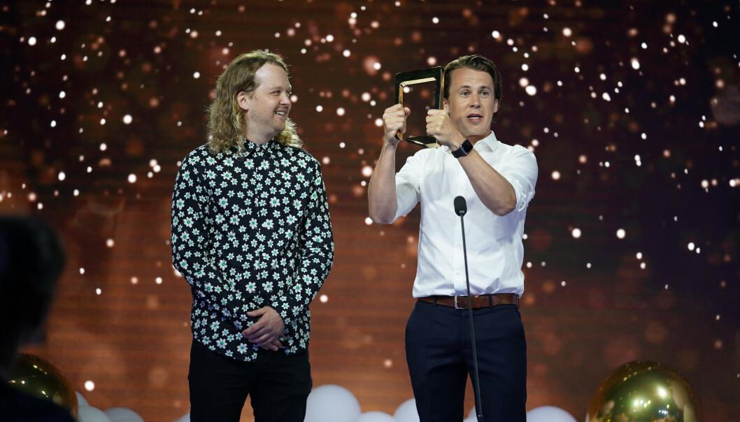 UNDERHOLDNING: Kongen befaler vant, og Bård Ylvisåker tok imot prisen på vegne av programmet. Foto: NTB Scanpix