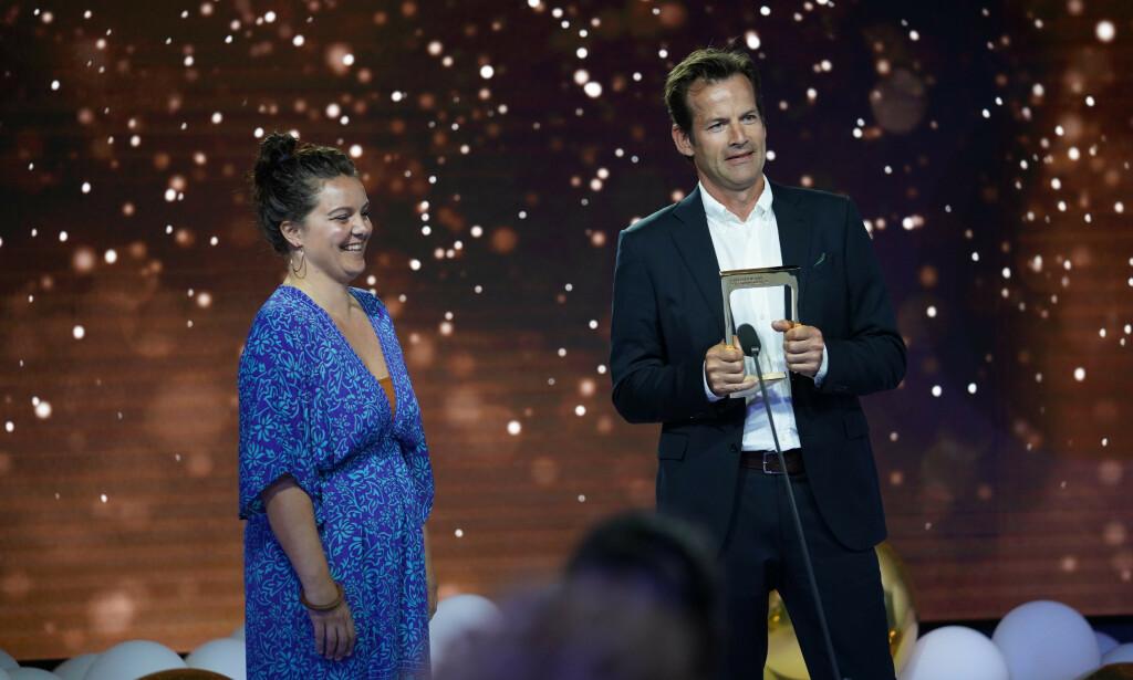 TV-ØYEBLIKK: Jon Almaas vant for det berømte ulvekysset. Foto: NTB Scanpix