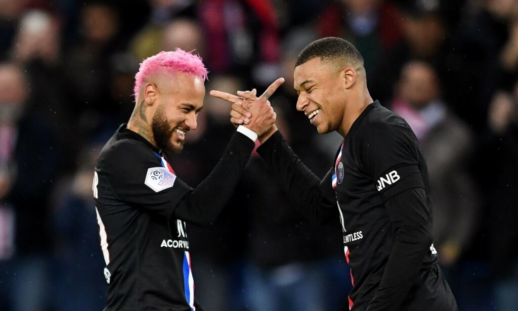 KAN FÅ 5000 TILSKUERE PÅ KAMPENE SINE: PSGs Neymar og Kylian Mbappe. Foto: MARTIN BUREAU / AFP)