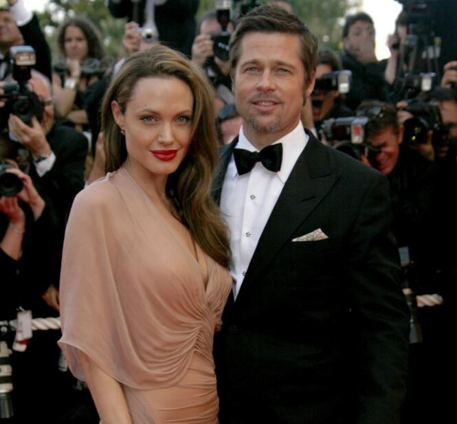 SEKSBARNSFORELDRE: Angelina og Brad pitt var blant Hollywoods hotteste par før de skilte lag. I løpet av sine år sammen fikk de seks barn. Foto: NTB Scanpix