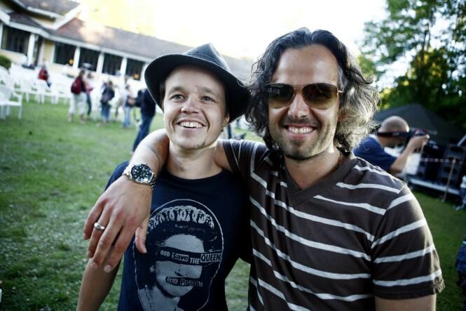 <strong>BLE PAPPA:</strong> Espen Bjørshol, Ari Behns bror, fortalte under kunstnerens bisettelse at han skulle få en sønn. Nå er han blitt pappa. Foto: Sara Johannessen Meek / NTB Scanpix