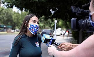 FORNØYD: Den demokratiske kongressrepresentanten Alexandria Ocasio-Cortez mener Trump ble veltet av ungdommer på TikTok. Foto: REUTERS/Caitlin Ochs
