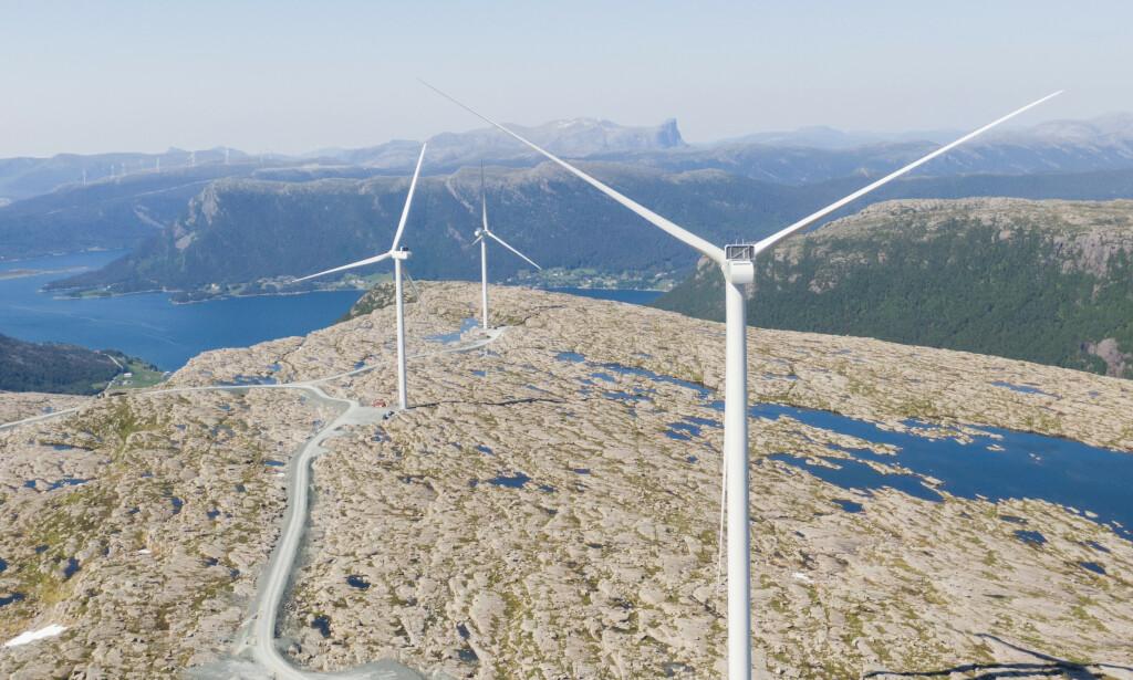 STRAMMER INN: Regjeringen har lagt fram ny stortingsmelding om strengere regler for vindkraft på land for alle nye konsesjoner, og Stortinget vedtok ny gjennomgang av vedtatte konsesjoner. Foto: Tore Meek / NTB scanpix