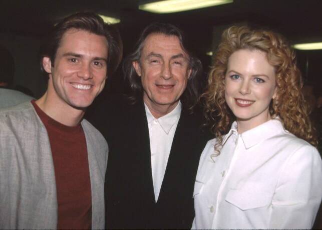 ANERKJENT: Joel Schumacher regisserte blant annet filmen «Batman Forever» hvor Hollywood-stjernene Nicole Kidman og Jim Carrey var å se. Her er de tre avbildet i 2004. Foto: NTB Scanpix
