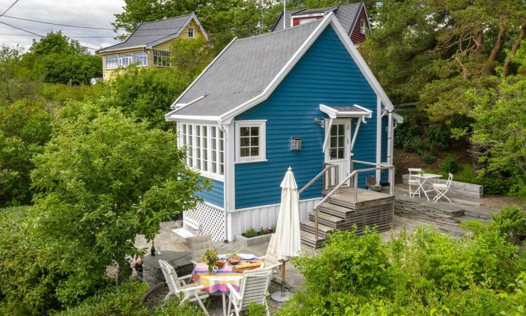 SKAL VÆRE REKORD: Mandag ble denne mikrohytta på Bleikøya solgt for 6,4 millioner kroner. Prisantydningen var på 5,5 millioner. Foto: Tor Lie