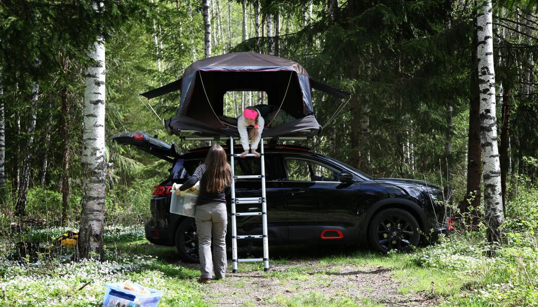 <strong>TELT PÅ TAKET:</strong> Det er dyrere enn vanlige telt, men kan mange ganger være enda mer praktisk. Foto: NAF