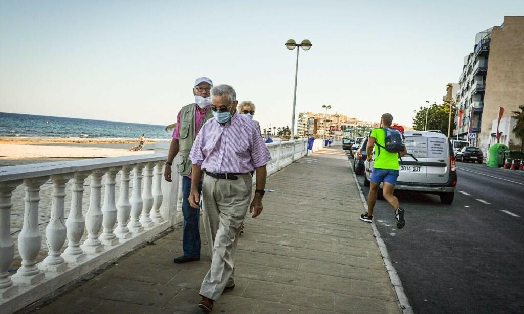 PÅBUD: I Spania er det nå påbud med munnbind på alle offentlige steder hvor det ikke er mulig å overholde avstandsregelen på halvannen meter. Foto: Embla Hjort-Larsen/ Dagbladet