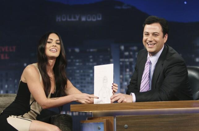 INTERVJU: Det var i et intervju med Jimmy Kimmel at Fox uttalte seg om sin opplevelse med filmregissør Michael Bay. Her er Fox og Kimmel avbildet ved en annen anledning i 2003. Foto: NTB Scanpix
