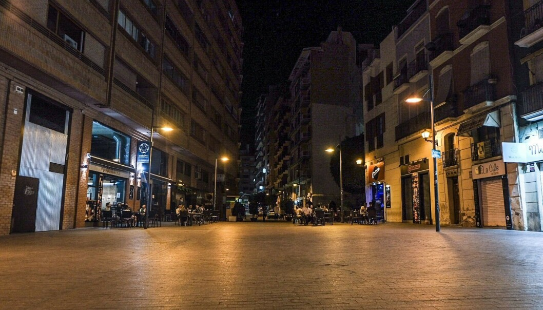 FOLKETOMT: Plaza de San Christobal var nærmest folketom sankthansaften. Vanligvis ville tusenvis samlet seg her. Foto: Embla Hjort-Larsen/ Dagbladet