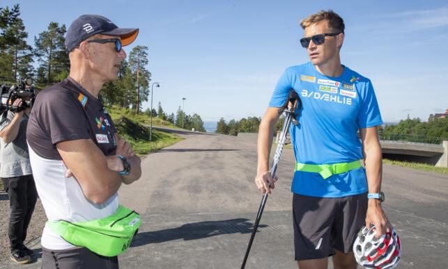 FORNØYD: Hovedtrener Ole Morten Iversen (t.v.) er meget fornøyd med at Ola Vigen Hattestad er på plass i som hans nye kollega allerede nå. Foto: Terje Pedersen / NTB scanpix