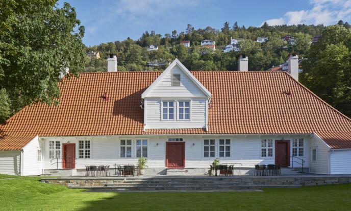 <strong>SKJERMET:</strong> Kjetil Smørås opplyser at både privatpersoner og bedrifter har latt seg lokke av sin egen «smittevernsone» når de har booket hele Villa Terminus. Foto: Åke E:son Lindman
