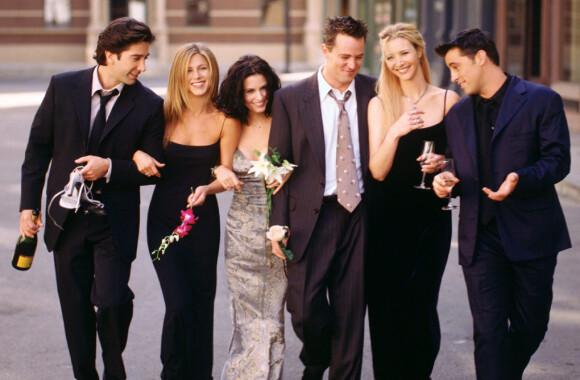 GJENFORENES: «Friends»-skuespillerne planlegger gjenforening. Her avbildet sammen i 2002. Foto: NTB scanpix