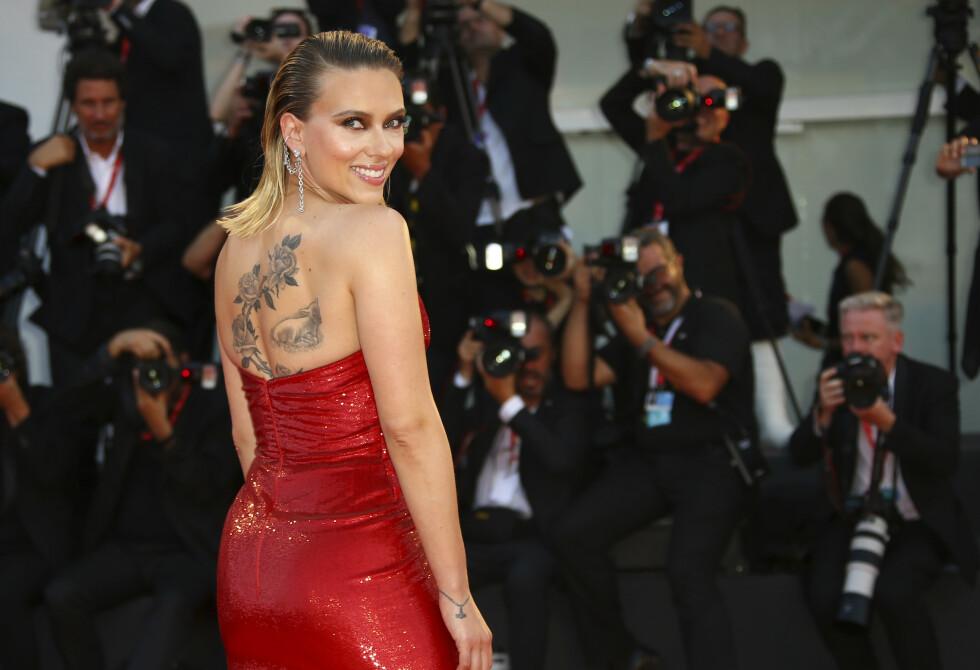 ÆRLIG: Skuespiller Scarlett Johansson er en av Hollywoods mest ettertraktede skuespillere. Nå forteller hun åpent om kroppspresset i Hollywood. Her avbildet i fjor. Foto: NTB Scanpix