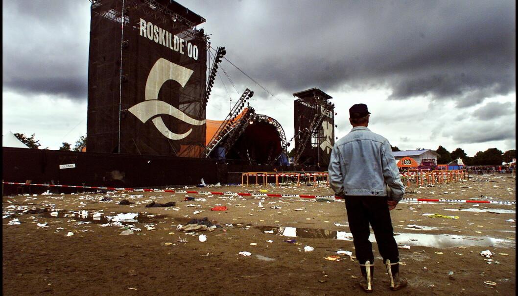 Stillheten: Dagen etter Roskilde-tragedien var det stille foran Den oransje scene. Foto: Henning Lillegård