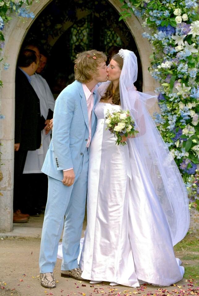 GIFTET SEG: Jamie og Jools Oliver giftet seg i 2000. Foto: NTB scanpix