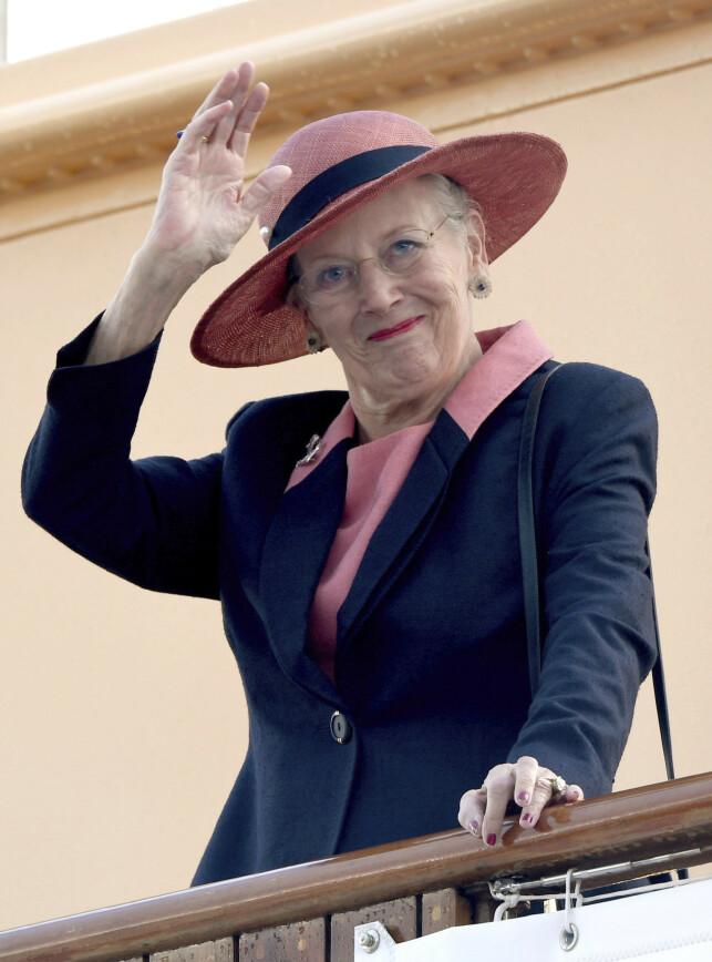 GODT LIKT: 80-åringen er en populær dronning. Nylig fik hun imidlertid hard medfart etter kontroversielt intervju. Foto: NTB Scanpix