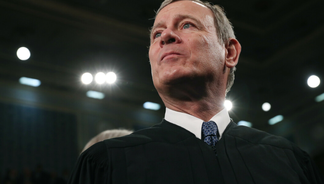 Høyesterettsjustitiarius John Roberts, som regnes for konservativ, dømmer igjen i strid med Donald Trumps ønsker. Foto: Leah Millis / AP,/ NTB scanpix