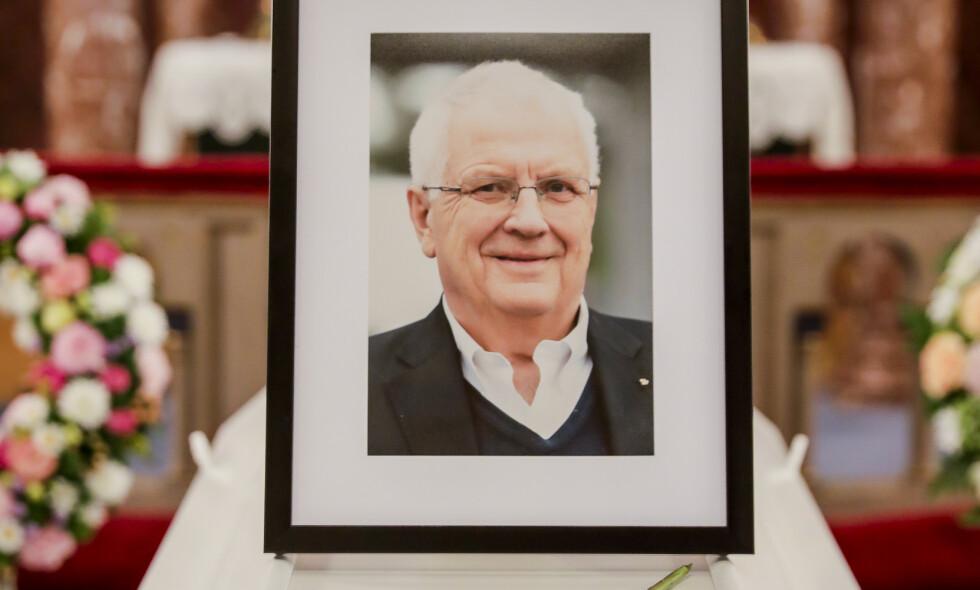 BISATT: Svein Arne Hansen ble bisatt fra Ullern kirke onsdag. Foto: Berit Roald / NTB scanpix