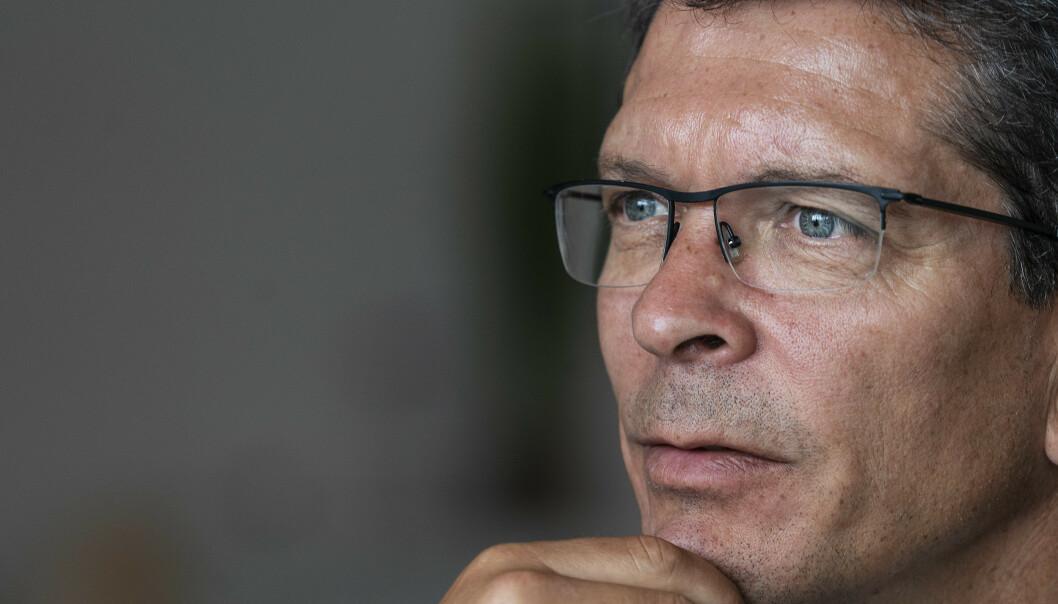 <strong>BEKYMRET:</strong> Kongsberg Gruppens administrerende direktør Geir Håøy er alvorlig bekymret for ringvirkningene av en forlenget coronaeffekt, og tror at vi bare har sett starten på det som venter. Foto: Hans Arne Vedlog