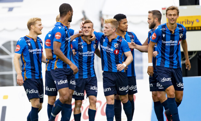 PANGSTART: Stabæk scoret to mål i første omgang. Foto: Geir Olsen / NTB scanpix