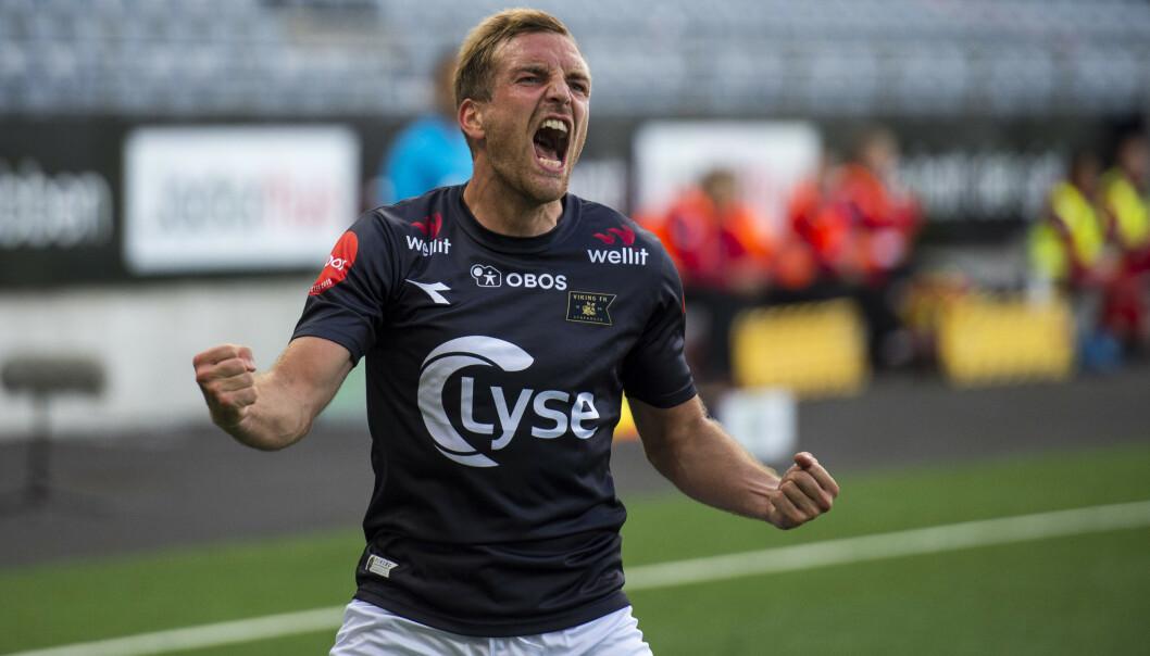 SCORET: Vikings Kristoffer Løkberg jubler for 1-0-scoringen. Foto: Carina Johansen / NTB scanpix