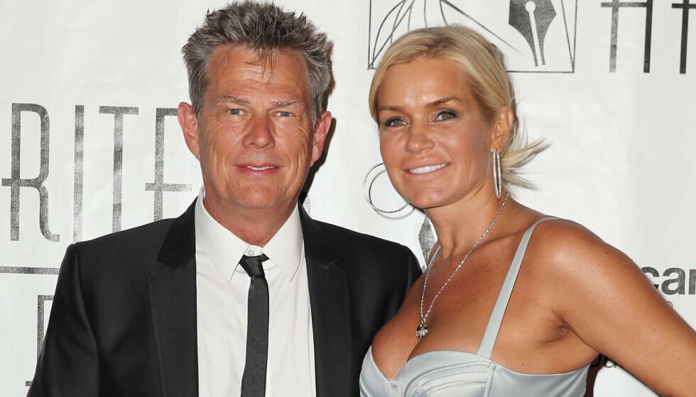 SNAKKER UT: David Foster sier han ikke vil innrømme hvorfor han og «The Real Housewives of Beverly Hills»-stjernen Yolanda Hadid skilte lag i 2017. Foto: NTB Scanpix