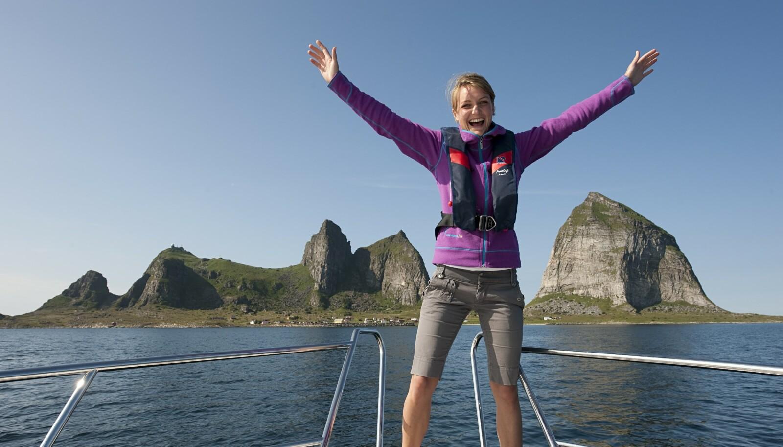 Stiger opp av havet: Ankomsten til Træna en godværsdag er magisk. Alle foto: NTB Scanpix og Nordic Life